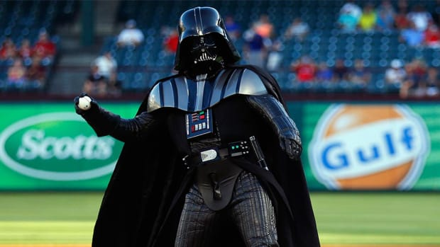 The sports world celebrates Star Wars Day--IMAGE