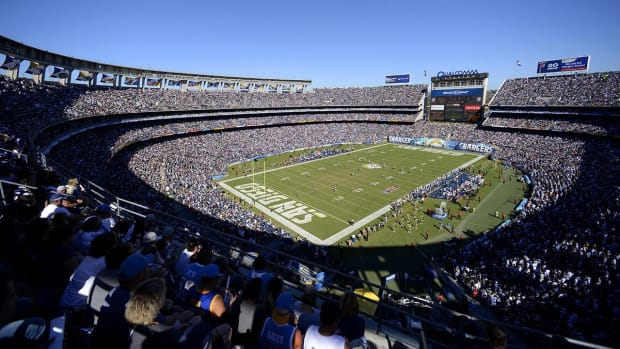 Report: Chargers aiming for deal with Rams by end of week  -- IMAGE