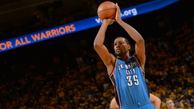 Report: Phil Jackson told Derrick Rose the Knicks will pursue Kevin Durant - IMAGE