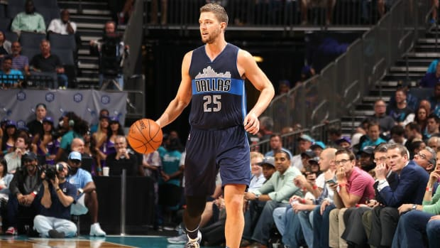 Chandler Parsons, Evan Turner sign with new teams, Mike Conley staying in Memphis -- IMAGE