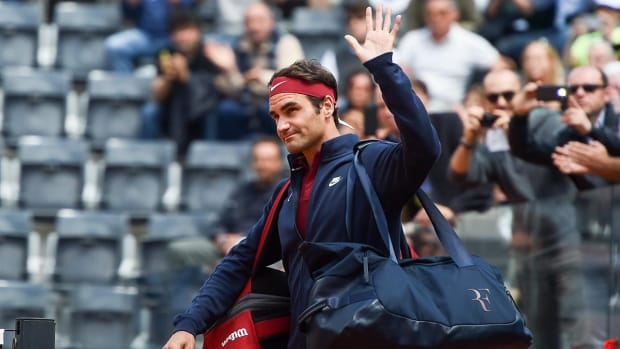 Roger Federer withdraws from French Open -- IMAGE