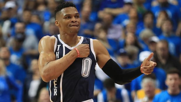 Russell Westbrook tells fan to 'shut the f--- up'--IMAGE