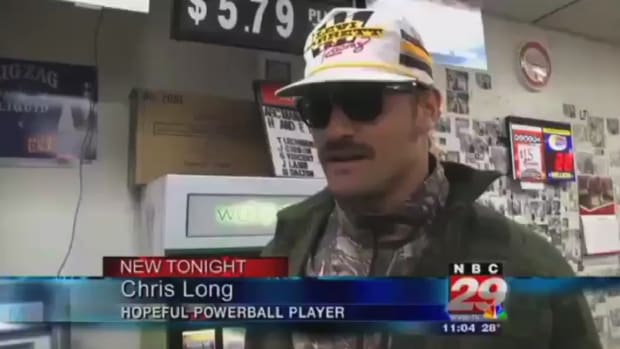 Rams' Chris Long appears in local news report while buying Powerball tickets IMG