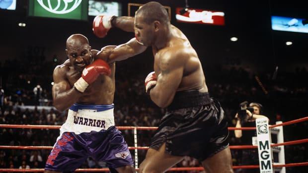 evander-holyfield-mike-tyson-boxing-960.jpg