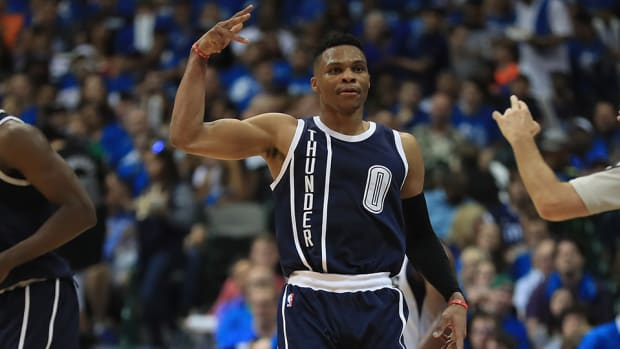thunder-russell-westbrook-mavericks-fan-cursing-video.jpg