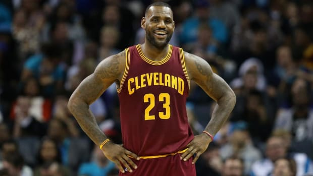 Cavs coach, GM met with LeBron about behavior--IMAGE