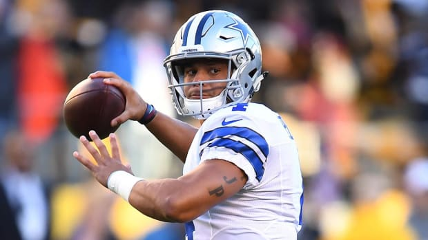 Jerry Jones: Tony Romo will be Dak Prescott's backup next week - IMAGE