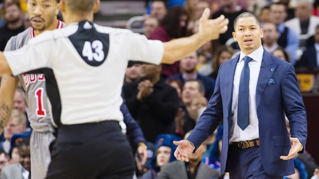tyronn-lue-cavaliers-out-of-shape-lebron.jpg
