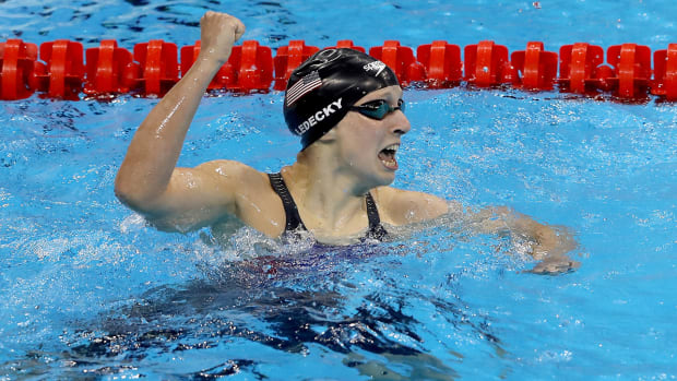 katie-ledecky-world-record-michael-phelps-relay-team-usa-swimming-gold-medal.jpg