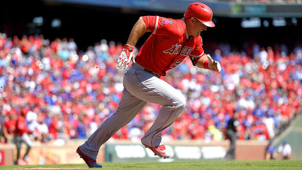 fantasy-baseball-2016-outfield-rankings-mike-trout.jpg