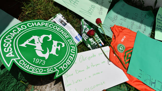 chapecoense-tragedy-stadium-tribute.jpg