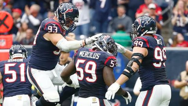 Houston wins division with defensive weapons IMAGE