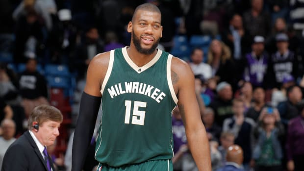bucks-will-not-trade-greg-monroe-before-deadline.jpg