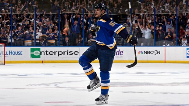 Blues eliminate defending Stanley Cup champion Blackhawks in Game 7--IMAGE