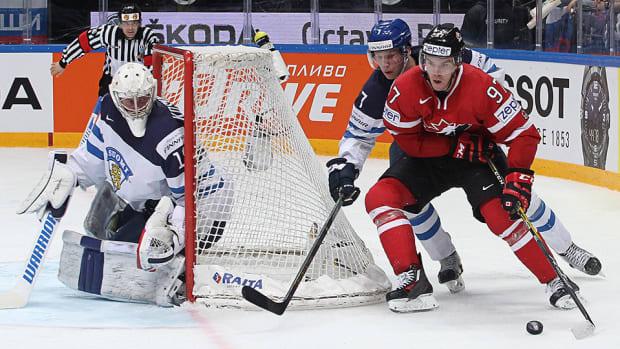 connor-mcdavid-canada-finland-iihf-world-championships-gold-medal.jpg