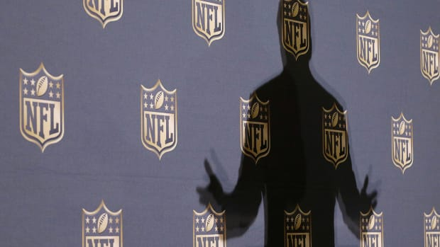 mmqb-roger-goodell-shadow.jpg