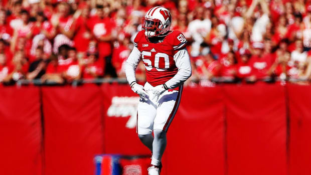 "Chris Orr Q&A: Wisconsin linebacker discusses his extensive football roots, his karaoke prowess and ""Jump Around"""