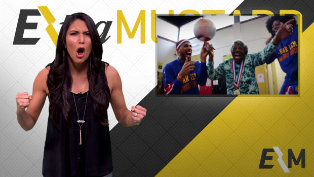 Mustard Minute: 107-year old proves she can play with Harlem Globetrotters IMG
