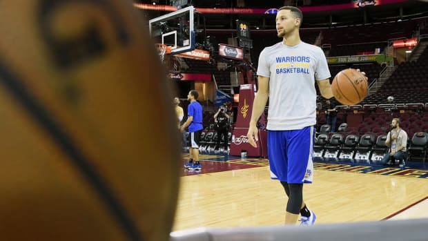 Curry's woes, Cavs' return to life sets up pivotal Game 4 IMG