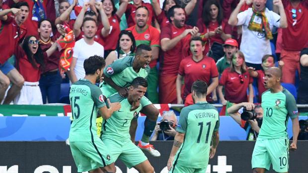 ronaldo-portugal-back-euro-2016.jpg