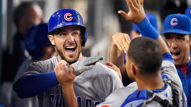 cubs-beat-dodgers-kris-bryant-aug-26.jpg