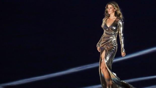 gisele-bundchen-lovely-lady-of-the-day-olympics.jpg