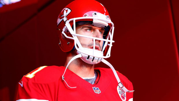alex-smith-chiefs-tunnel_0.jpg