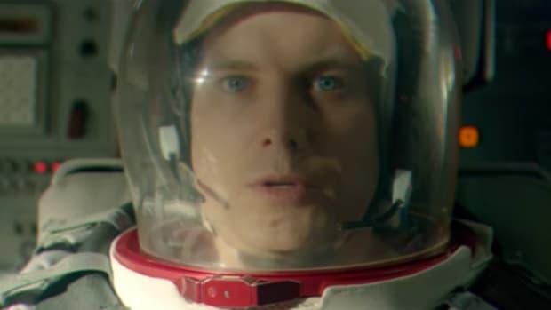 audi-r8-astronaut-super-bowl-commercial.png