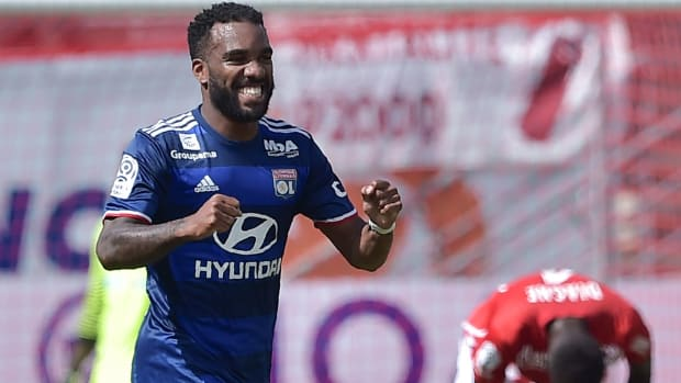 lacazette-transfer-rumors-arsenal.jpg