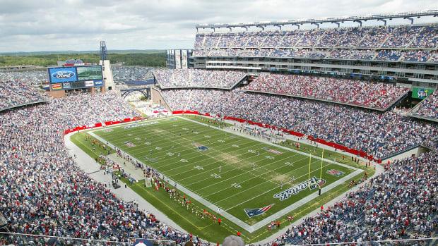 new-england-patriots-stadium-wifi-augmented-reality.jpg