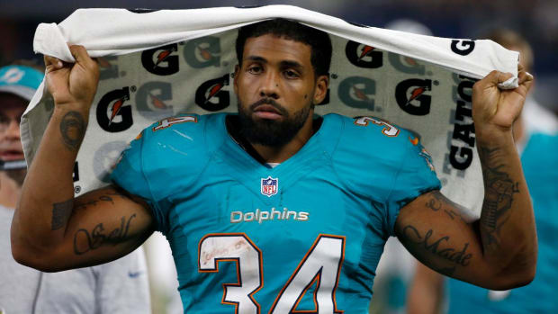Dolphins RB Arian Foster announces retirement effective immediately - IMAGE