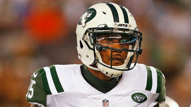 Jets WR Brandon Marshall defends Colin Kaepernick - IMAGE