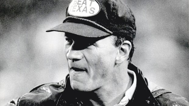Beat [Insert Rival]: Coaches should follow Barry Switzer's example, wear their desire on their sleeves...or heads