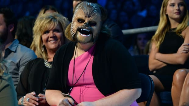 chewbacca-mom-national-anthem.jpg