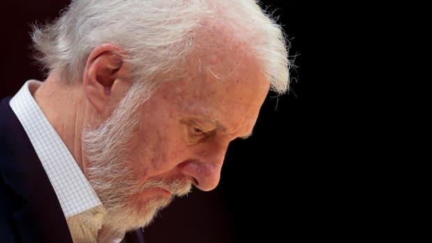 Spurs coach Gregg Popovich rips President-elect Donald Trump--IMAGE