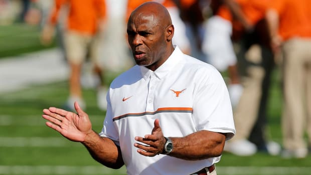 Texas has decided to fire coach Charlie Strong - IMAGE