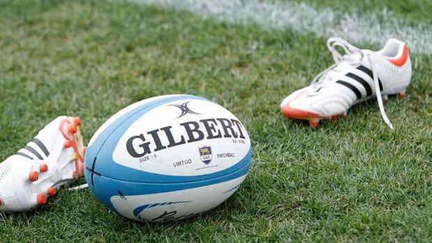 argentina-rugby-player-finger-bitten.jpg