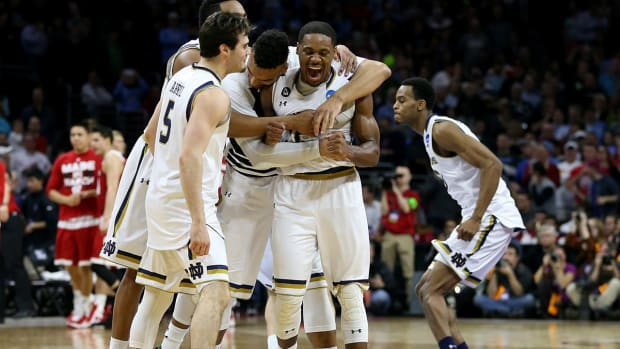 Notre Dame beats Wisconsin in wild finish to advance to Elite Eight - IMAGE