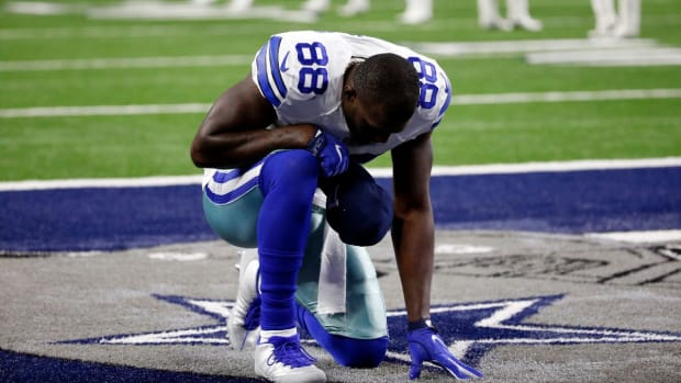 Cowboys WR Dez Bryant has hairline fracture in knee - IMAGE