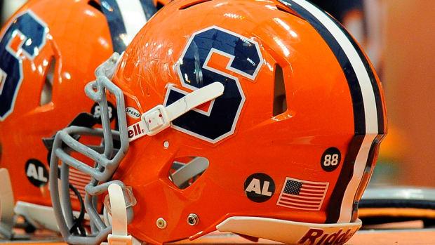 syracuse-football-helmet.jpg
