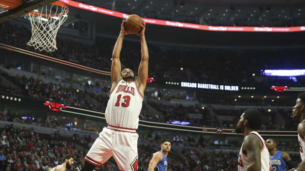 Report: Joakim Noah signs with Knicks, Kent Bazemore re-signs with Hawks -- IMAGE
