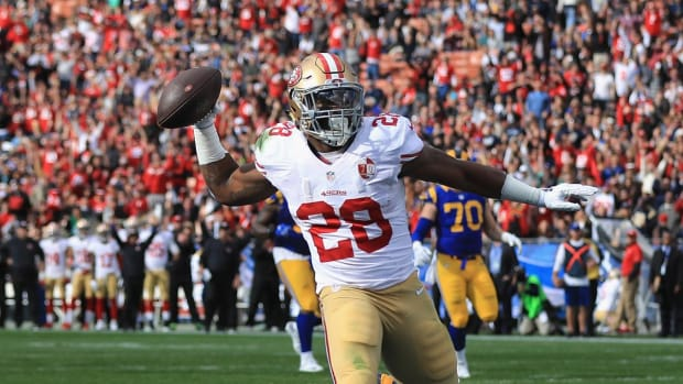 Report: 49ers RB Carlos Hyde suffers torn MCL - IMAGE