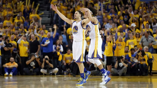 Curry-less Warriors take series against Rockets--IMAGE