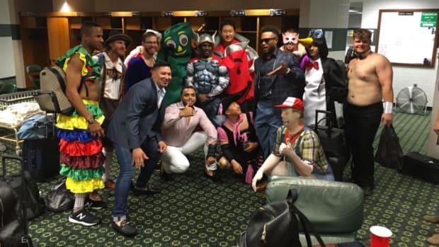Seattle Mariners rookies dressed to impress -- IMAGE