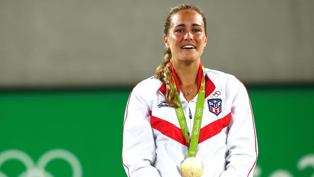 Monica Puig defeats Angelique Kerber to win Puerto Rico's first gold medal -- IMAGE