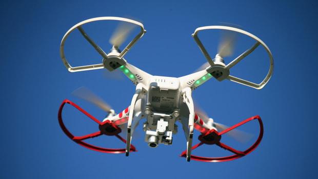 att-drone-sporttechie.jpg