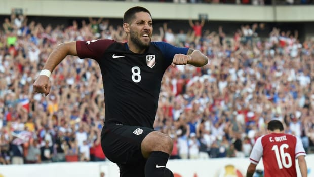 USA defeats Paraguay 1-0 in third game of Copa America --IMAGE
