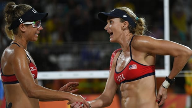 kerri-walsh-jennings-april-ross-usa-lose-brazil.jpg