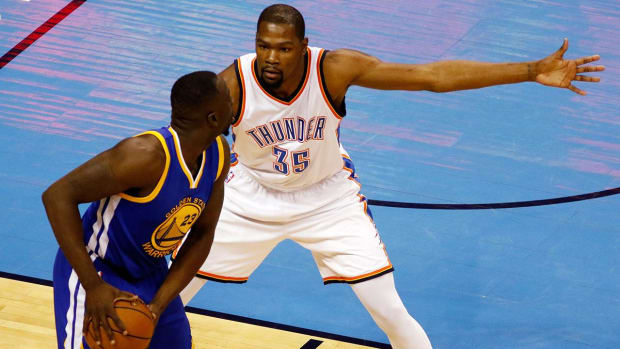 Durant, Thunder standing tall in face of Warriors IMG