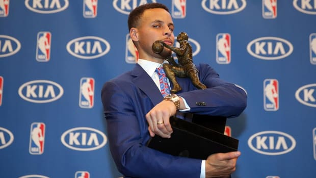 LeBron James: No doubt Stephen Curry is deserving of MVP - IMAGE